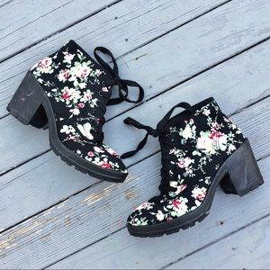 ASOS Blink Floral Print Heeled Lace-up Ankle Boot7